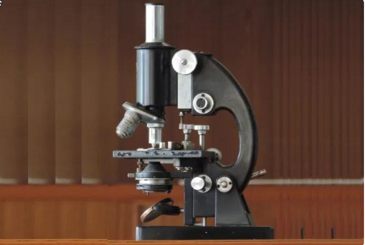 Perbedaan 5 Jenis Mikroskop dan Kegunaannya